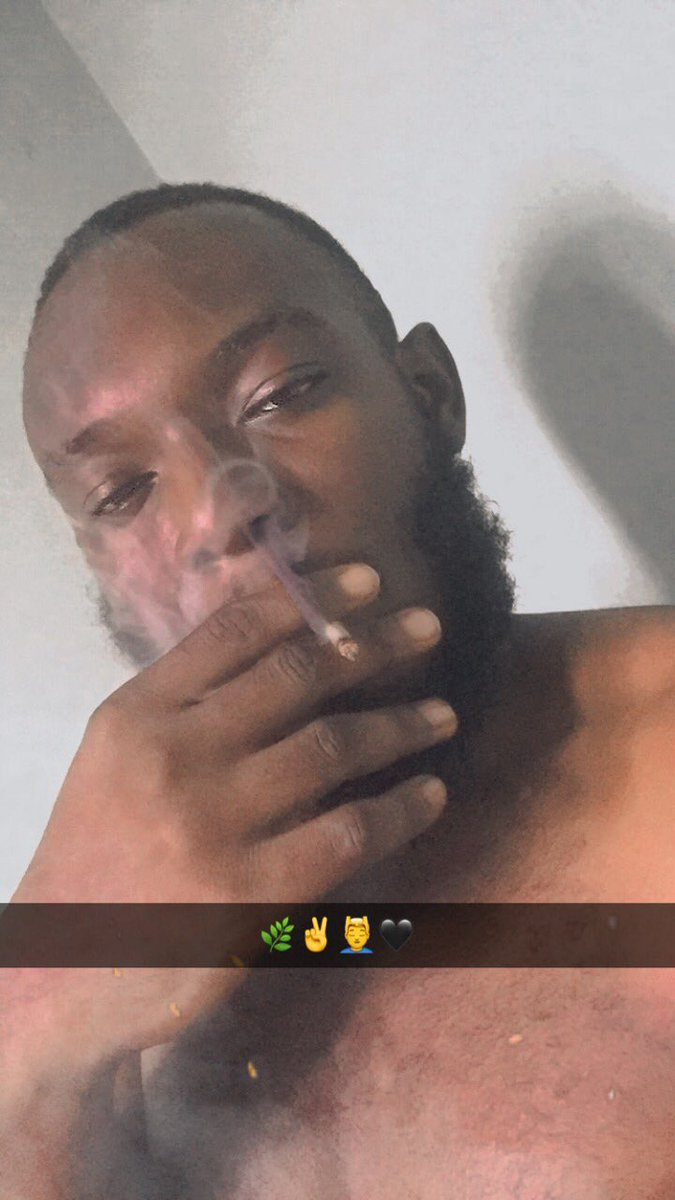If you're smoking when yhu see this, drop a pic 🌿💆♂️ #CannabisCommunity #Mmemberville #StonerFam #BeardGang #MondayMorning https://t.co/64Z62zVkTH