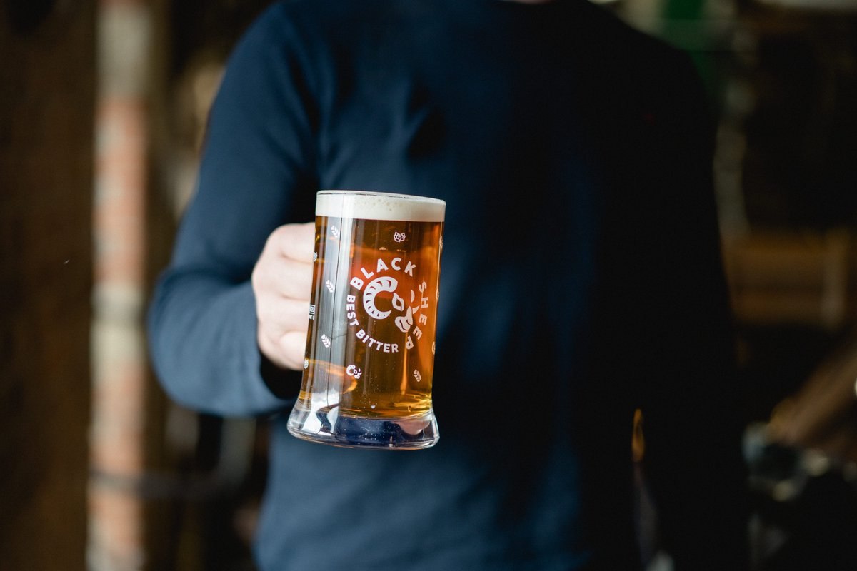 Lets spread the cask ale love and get this picture as far afield as we can in celebration of #Cask and @caskaleweek Follow our page, like and retweet this post using #BestInCask to be in with a chance of winning a Black Sheep Legends Case and a new ICON tankard worth over £35!