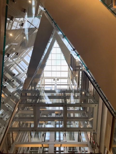 test Twitter Media - Het depot @boijmans opende afgelopen weekend de deuren voor een sneak preview. Rotterdam is een nieuw icoon rijker. De spiegelgevel, het interieur, een bomendak met een fantastisch uitzicht en in het najaar 2021 gevuld met kunst! Ontwerp: @MVRDV Bouw: @BAMbouwtechniek   #trots https://t.co/PG7BaRyP5s