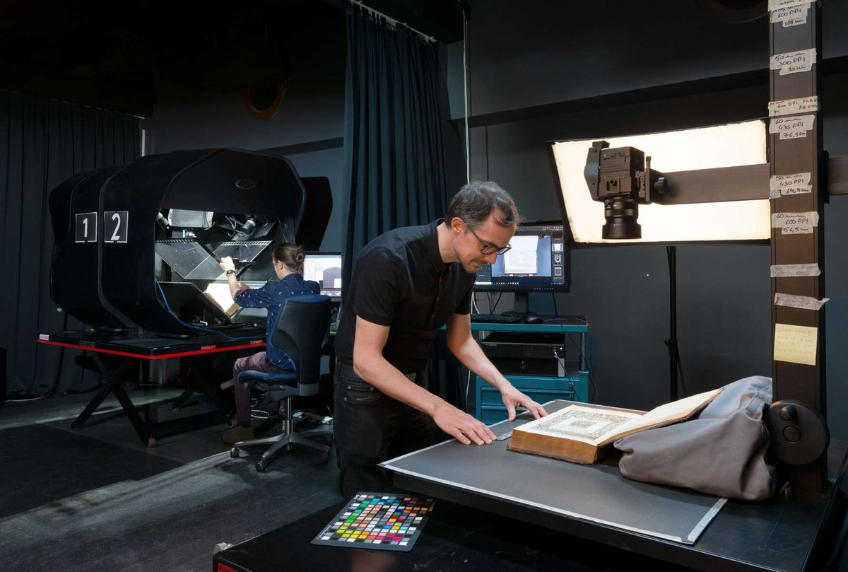 8/10 In 2011 we moved into the Imaging Lab, a state of the art digitization facility for (documentary) heritage with specialty infrastructure. We developed expertise in difficult-to-digitize objects and implemented the #FADGI standard https://t.co/8Mu3aSrbrw https://t.co/cCYToBY5JM