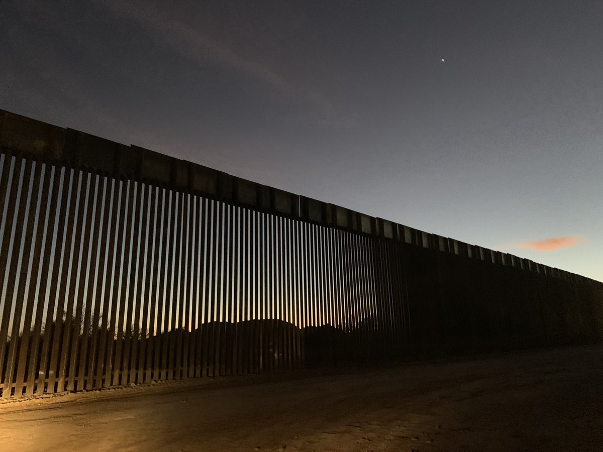 Trump's Wall looks beautiful at night. So peaceful and serene. https://t.co/uV4uaH510l
