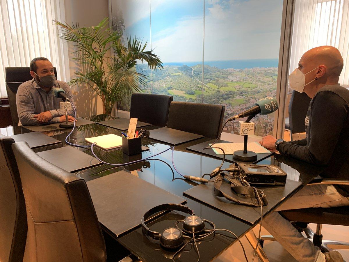 """Ja tenim en marxa la primera edició del programa """"Tal com som"""" de la temporada. Avui, entrevistant a l'alcalde de l' @ajuntcalonge , Miquel Bell-lloch des del seu despatx de l'ajuntament. https://t.co/4IZlIWoYwj"""