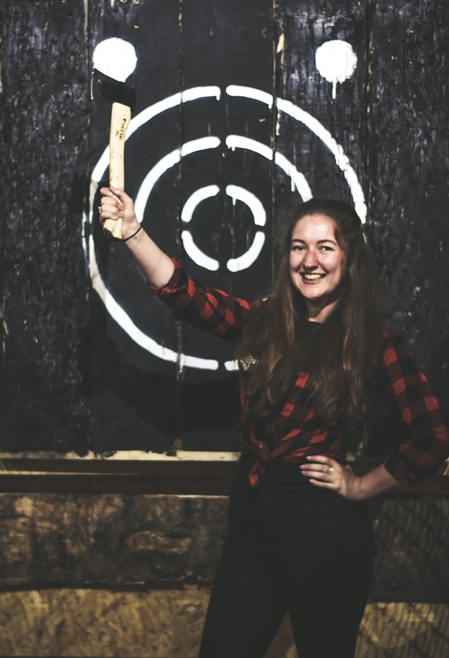 Meet the team...  Poppy - Axpert Insta: @ poppy_louisexo Twitter: @poppy_louisexo  #MadJacksIOM #AxeThrowing #IsleOfMan #ThrowingAxes #RetroGaming #Arcade #Hatchet #Axe #AxeThrowing #Party #Retro #IndoorFun https://t.co/Ze6LwN7JC7