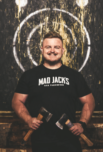 Meet the team...  Aaron - Axpert Insta: @ amasoon Twitter: @amasoon  #MadJacksIOM #AxeThrowing #IsleOfMan #ThrowingAxes #RetroGaming #Arcade #Hatchet #Axe #AxeThrowing #Party #Retro #IndoorFun https://t.co/RCQ8OYXryW