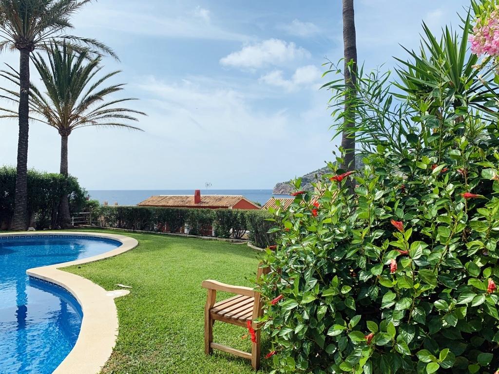 ID:  2102   PUR-Mallorca - Wir können Mallorca.  Appartement mit kleinem Meerblick in Camp de Mar.  Preis :  325.000,-- Euro Info & Exposé: welcome@pur-mallorca.com  https://t.co/js7f2XLJo0  #Mallorca #campdemar #PURMallorca #baleares #propertyforsale #Chiringuito #strandbar https://t.co/Kl2XWG1Vt0
