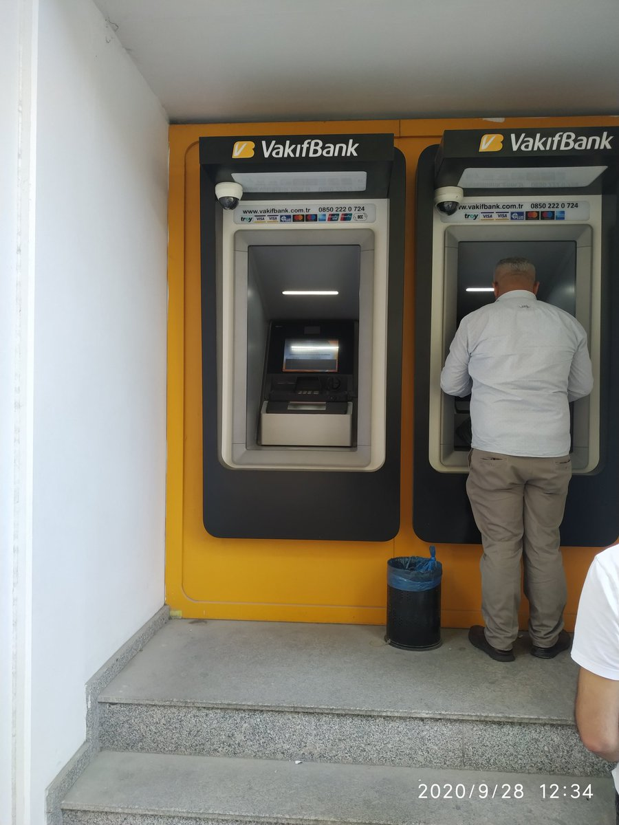 @VakifBank  Bir haftadır bu ATM çalışmıyor çok kuyruk oluşuyor..hiç aktif hale gelmiyor... https://t.co/j8OGq3BOyl