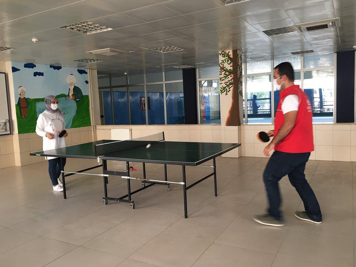 """#AvrupaSporHaftası kapsamında  """"Harekette bende varım."""" dedik, gönüllü gençlerimizle masa tenisi 🏓  oynadık.  #Beactive  💪🏼🥅 https://t.co/mmUeYCynJk"""
