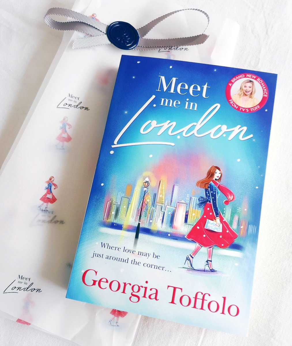 𝗠𝗘𝗘𝗧 𝗠𝗘 𝗜𝗡 𝗟𝗢𝗡𝗗𝗢𝗡 ❄️ written by @ToffTalks   Oh this book sounds fabulous &  just look how pretty she is! 😍  Thank you Kirsty @MillsandBoon for my #gifted copy which came  so beautifully wrapped!    Due out Oct 15th. #MeetMeInLondon  #bookmail #books 📚✨ https://t.co/eTo03REgvT