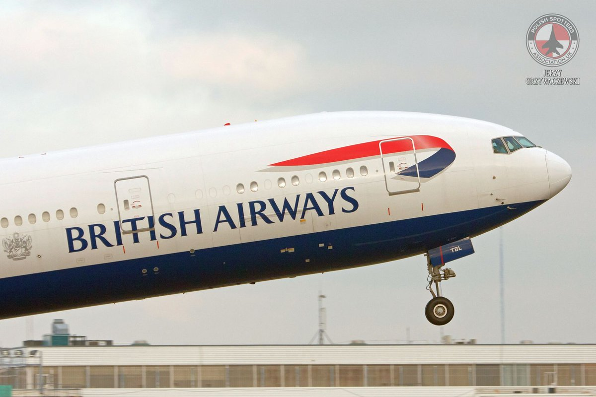 V1, rotate! Boeing 777 of @British_Airways taking to the skies Photo by Jerzy Grzywaczewski #avgeek #aviation #BritishAirways #Boeing777 #aviationphotography #takeoff @boeinguk #PlaneSpotting https://t.co/bL1SKdecYB