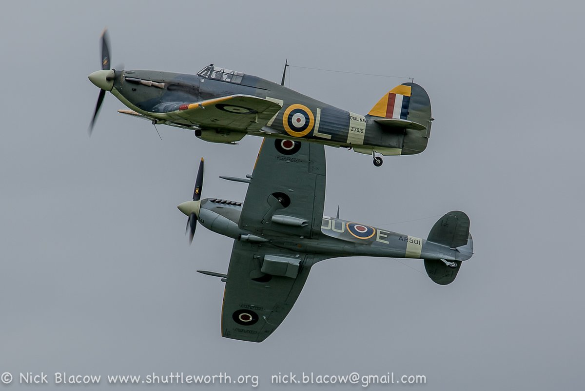 Two notable first displays @Shuttleworth_OW yesterday. Rob Millinship in the Sea Hurricane and Jean Munn in the Comet #dehavilland100 #avgeek #driveinairshow #airshow JM quite relieved at the end https://t.co/vVfD7ydNSZ