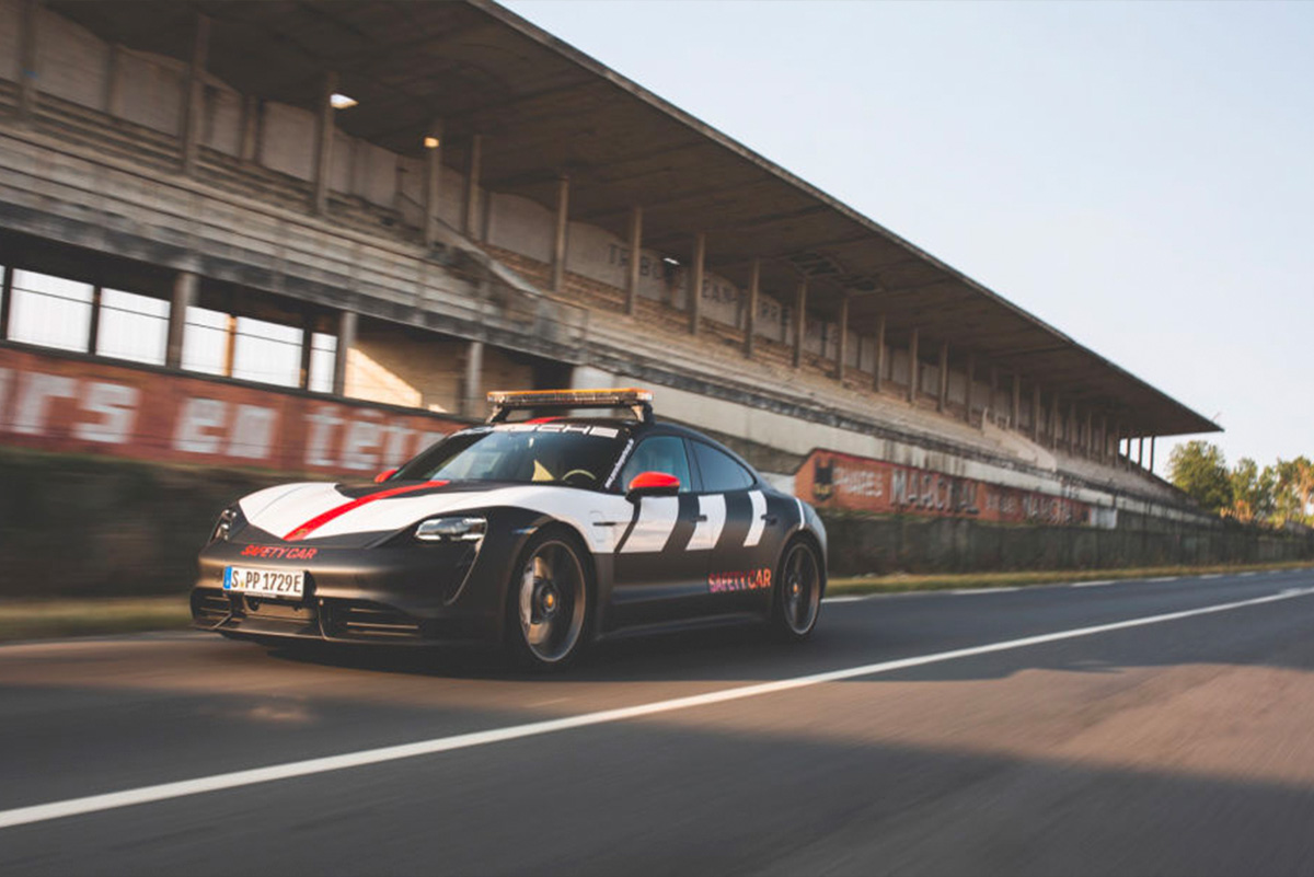 .@Porsche presenta el #Taycan Turbo 'safety car' de la Porsche Cup - https://t.co/ZoFBo4fmzi #CarreraCupDE  #LeMans https://t.co/E5heMagFP3