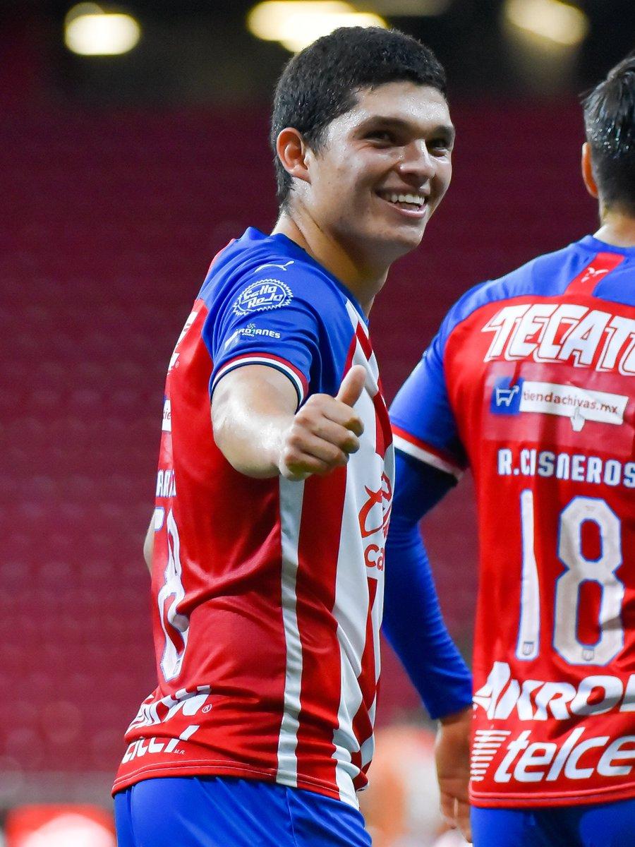 ¡Instinto goleador!  Sebastián Martínez tuvo una noche inspirada ante Alebrijes, para firmar su primer doblete en la #LigaBBVAExpansionMX.  - 2 Goles - 3 Tiros (todos con dirección a puerta) - 6 Balones ganados en área rival - 8 Pases completos  #Jornada5 #Guard1anes2020 https://t.co/v4B63OhWyX
