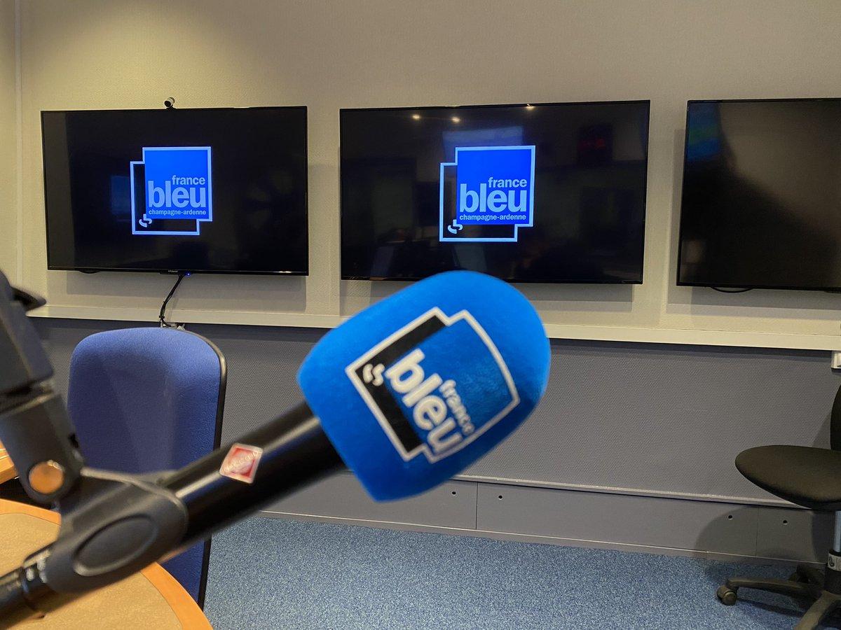 🎙 À 7h45, Jean-Luc @warsmann est l'invité de @fbleuchampagne matin. Il répondra aux questions de @S_Maggiolini après son élection à la tête d'une mission d'information sur la souveraineté #numérique nationale et européenne.  ➡️ https://t.co/TnwwPBPX6k https://t.co/rBYqwPtJYw