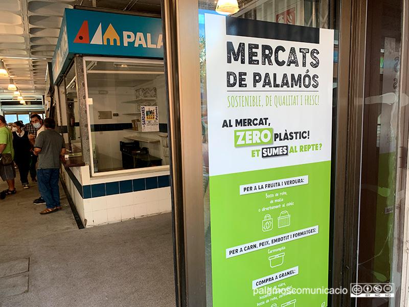 Campanya al Mercat Municipal de #Palamós per reduir l'ús del plàstic en les compres https://t.co/NpKJ8nVN8n https://t.co/LyqNDtdt05