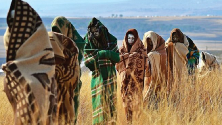 [ON AIR] The Congress of Traditional Leaders of South Africa disappointed that initiation schools are not allowed to operate during alert level 1 of the lockdown. Kgosi Mathupa Mokoena @Contralesa_SA President on #SAfmSunrise with @StephenGrootes #sabncews https://t.co/A4B6aiNm1h
