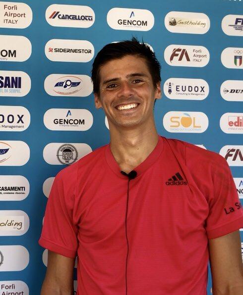 """Federico #Coria batte Chun-hsin #Tseng 7-5 3-6 4-2 ritiro (crampi): """"Agli @InteBNLdItalia ho vissuto la settimana migliore della mia vita nel #tennis. Mio fratello Guillermo è molto felice del mio rendimento"""" 🎙 @fedeecoria @guillecoria #ibi20 #Forlì #ATPChallenger https://t.co/Glscj0q6AP"""