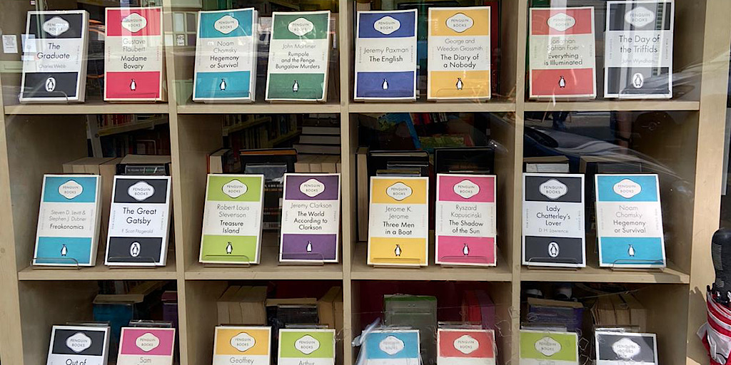 Loving our colourful window display of Penguin books. #penguinbooks #kingstonuponthames https://t.co/Yv0p41CHEQ