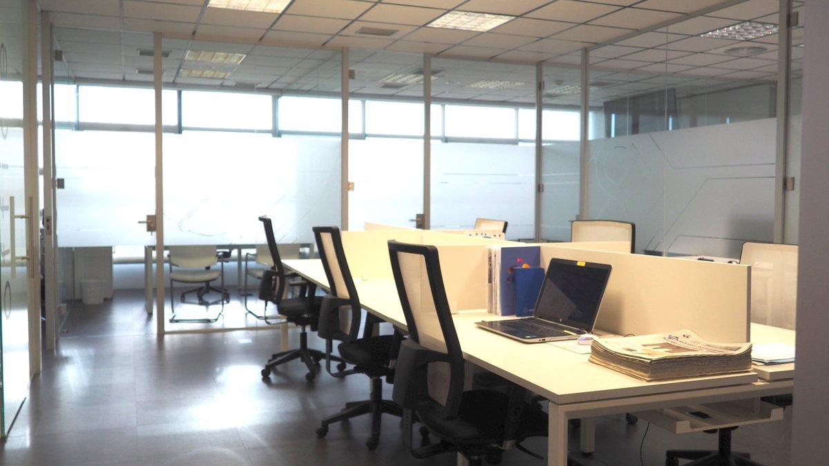 #Despachos profesionales y zona de #coworking disponibles para #alquilar en la zona sur de Madrid.  Olvídate de los gastos fijos con Sur Empresarial... 👉¡Paga cuando quieras y como quieras! 👈  🔗https://t.co/Be6iiImINq https://t.co/TUSiZALRpA