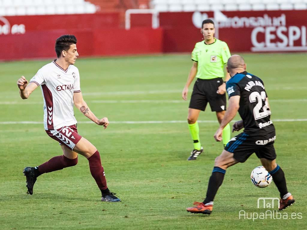 ARBITROSHernández Maeso y González Narváez debutaron oficialmente en Segunda en el Carlos Belmonte de Albacete