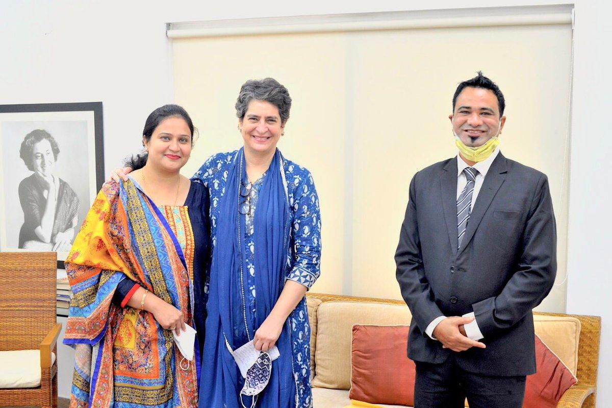 कांग्रेस महासचिव श्रीमती प्रियंका गांधी जी ने डॉ कफील खान से मुलाकात की। https://t.co/65KMYldCsY
