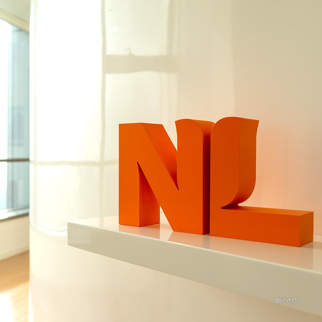 Two letters, each one meter high, made of recycled materials. 😮 The new logo for the Netherlands Consulate General in Guangzhou is made of used plastics like water bottles. 👇  Learn more here: https://t.co/5iqfVrjp9z https://t.co/INjEztKEDJ