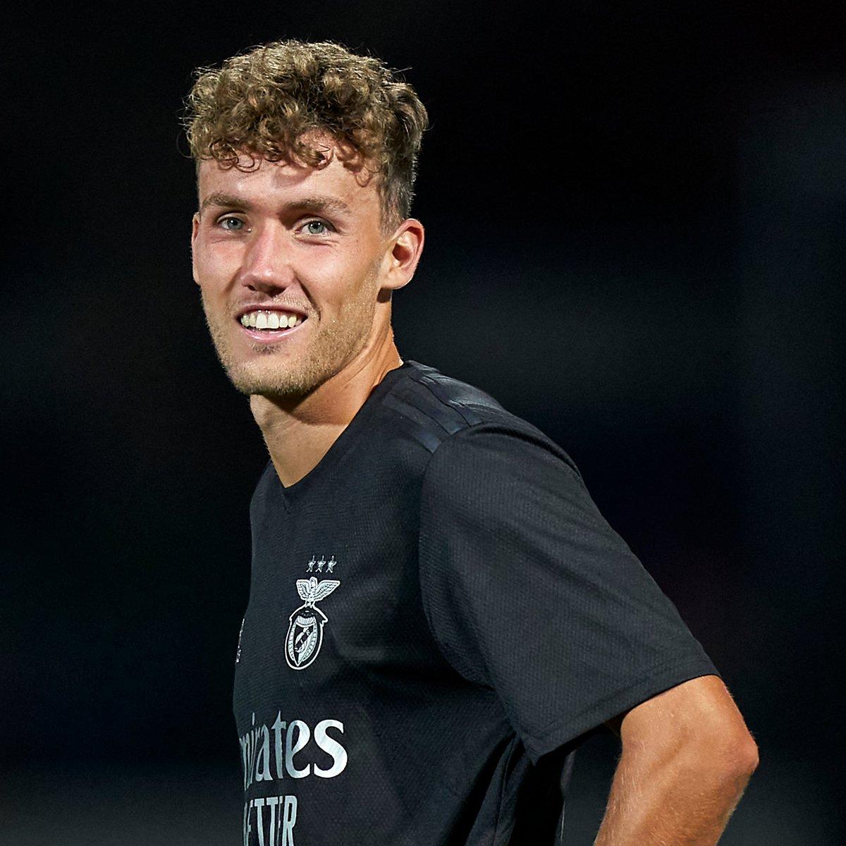 🦅 Benfica off to a strong start in the Portuguese Liga after beating Famalicão 5-1... 💪  ⚽️⚽️ Waldschmidt ⚽️ Everton ⚽️ Grimaldo ⚽️ Rafa Silva  #UEL | #MondayMotivation https://t.co/t9QNXa2d0r
