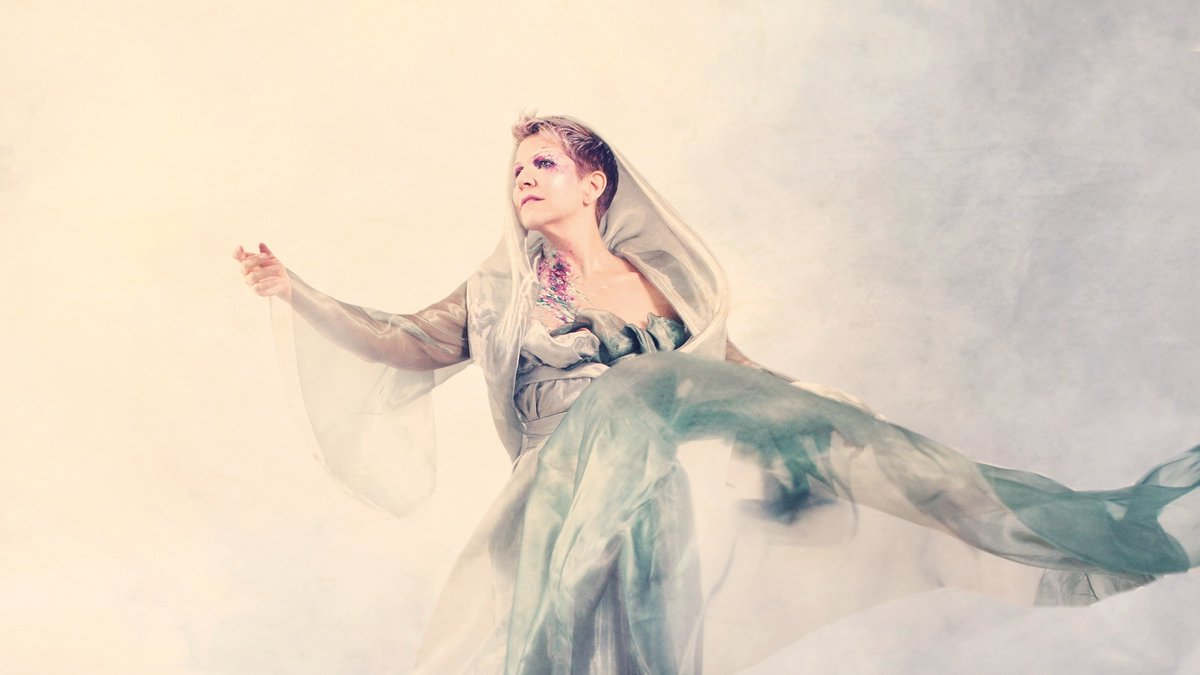 Today is the #InternationalDayOfPeace, or #WorldPeaceDay 🕊️  Embodying the spirit of this day, @JoyceDiDonato's In War and Peace, with @ilpdo, demonstrates the power of music to move and inspire, through arias representing 'War' and 'Peace'. Discover: https://t.co/dxbf14Ddws https://t.co/m6arNJ0Yw0
