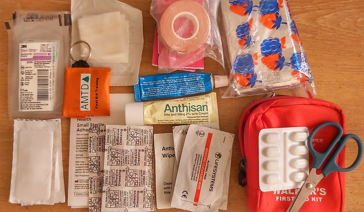 Taking stock. Checking my running first aid kit that I carry with me when on the moors & trails 🩹🤕 #getoutside #exploremore #runtoexplore #run1000miles #trailrunning https://t.co/Hky3wIBPl9