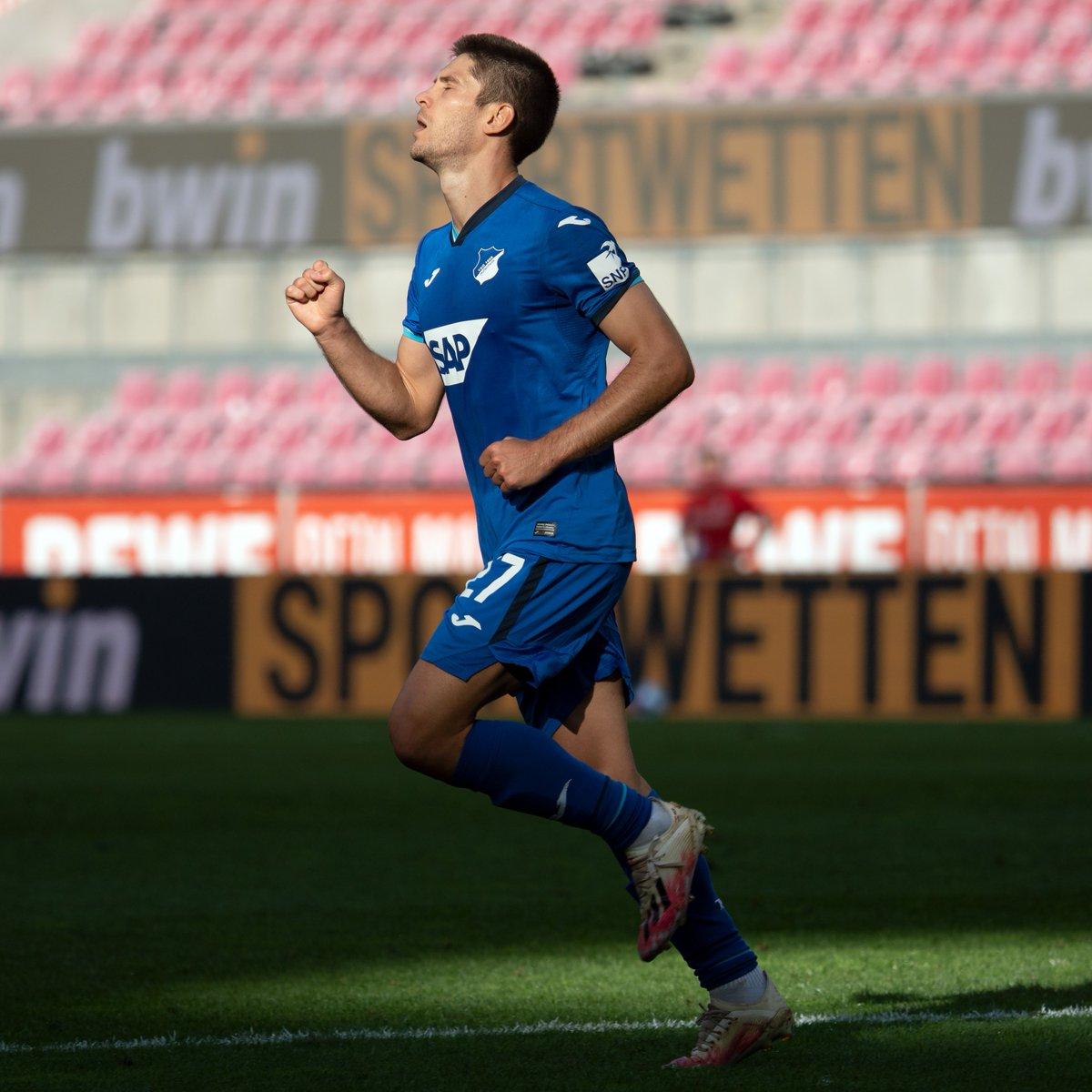 🎩 Hoffenheim's hat-trick hero 🎩  Andrej Kramarić ⚽️⚽️⚽️  #UEL https://t.co/r0zGzQvUIS
