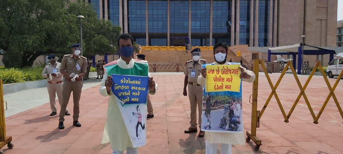 Congress MLAs protest govt practice of giving fine collection targets to traffic cops