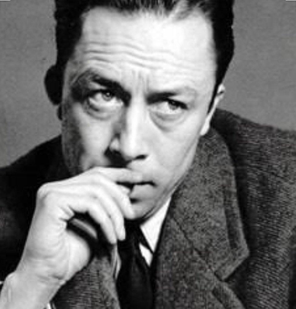 """Ülkemizin retoriğinde; sokakta, siyasette, sporda, aslında her yerde, en çok cehalete övgü, aydınlanmaya sövgü var. Öğrenmeye, gelişmeye çalışana verilen günlük """"dersler"""" var! A.Camus sanki bize demiş; Yalnızca kültürlü insanlar öğrenmeyi sever, cahiller ders vermeyi tercih eder! https://t.co/hwTq5ThogA"""