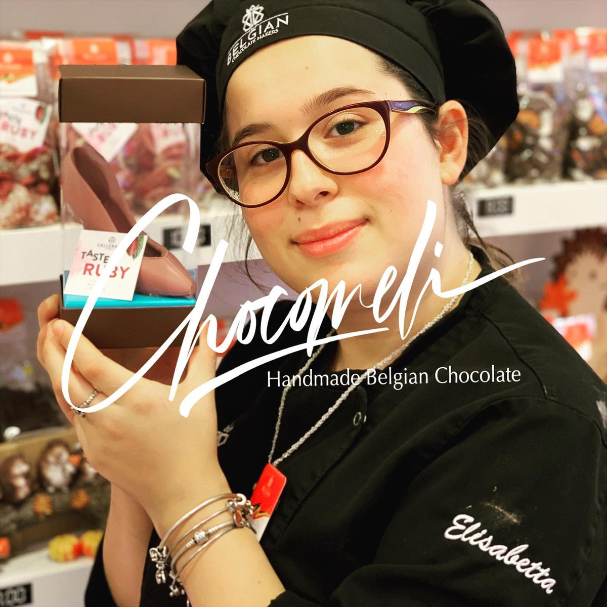 Real handmade chocolate, true Belgian chocolate, from bean to bars. Real people, true passion! Save the earth, it's the only planet with chocolate! Need to know more? Visit us and speak to us! #visitbrussels #cocoa #thebelgianchocolatemakers #bxl #brussels #bruxelles #chocolate https://t.co/8RKFtKskOy