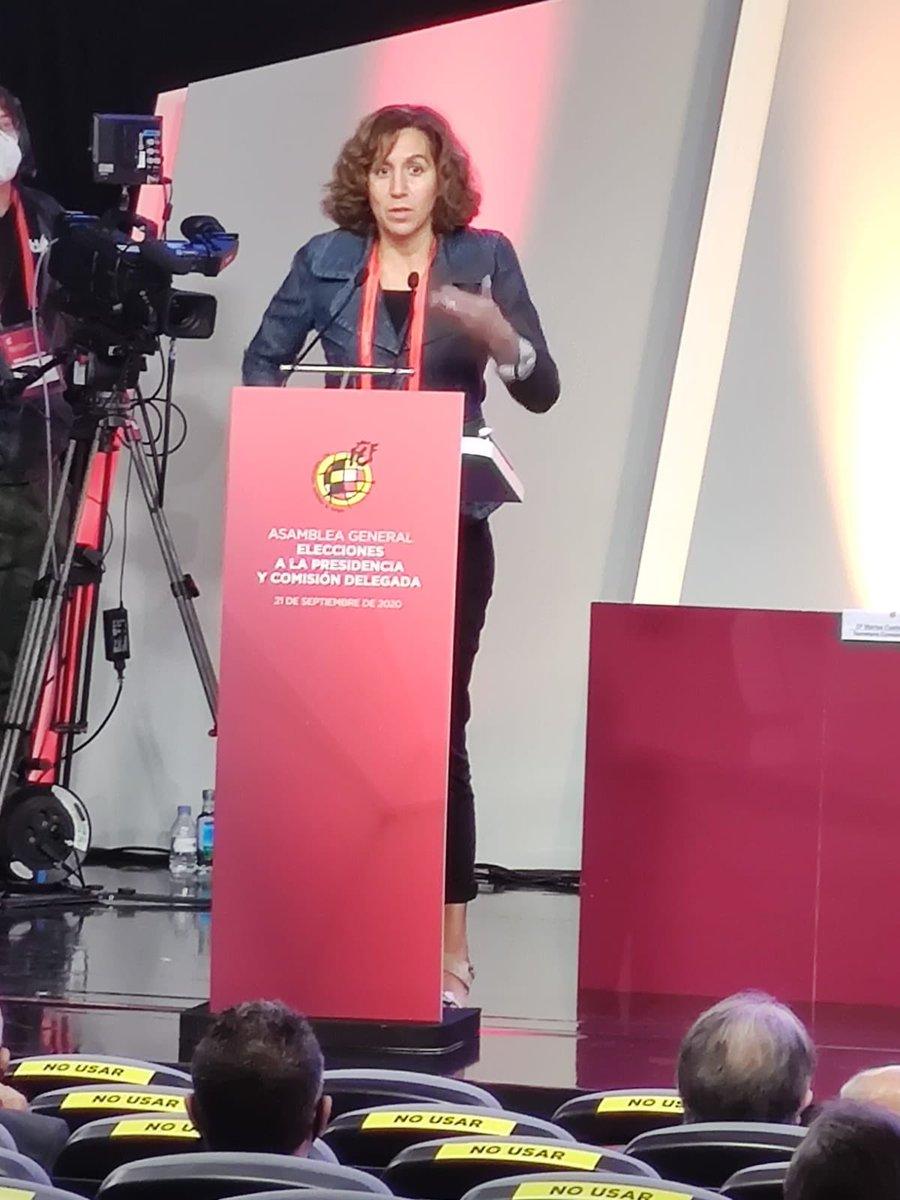 Intervención también en la Asamblea de la @rfef. @lozanoirene recuerda que nuestro fútbol, nuestro deporte, es clave en la imagen de España en el exterior. La unidad exhibida durante lo peor de la pandemia debe continuar. https://t.co/zx9SAVGyVr