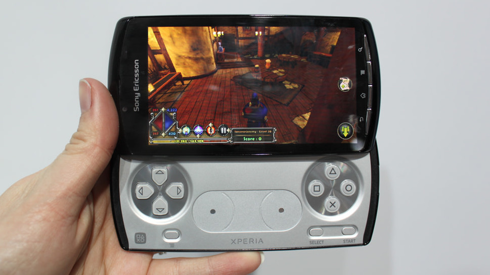Pics of an unreleased Xperia Play 2 make me wish Sony would give gaming phones another go
