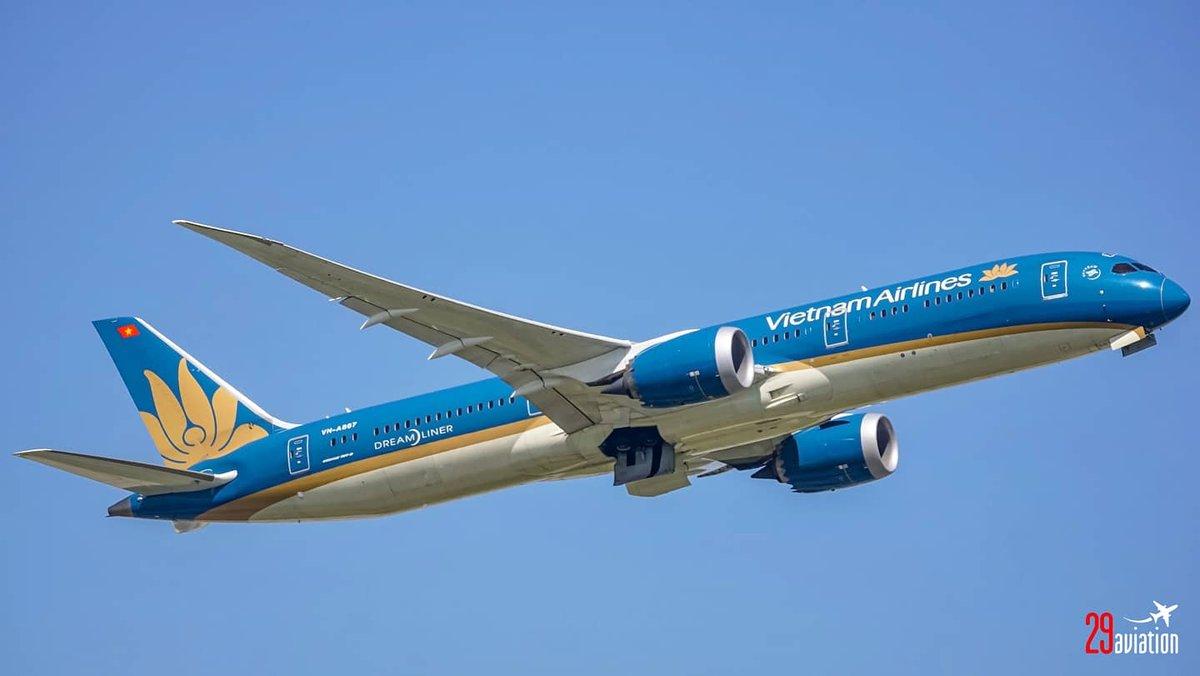 https://t.co/aDhM9sMbAF | #VietnamAirlines #Boeing787 #Dreamliner at #London #HeathrowAirport | #B787 #B789 #Boeing #BoeingLovers #Aviation #AvGeek #Vietnam #LHR #EGLL #Heathrow #Plane #Pilot #MegaPlane #AviationPhotography #Planespotter #Airline #Aircraft #Airline #HAN #SGN https://t.co/RaPVkIdoG9
