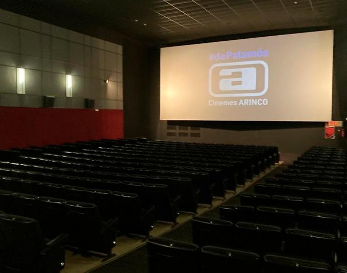 Des d'aquest dijous ja podrem tornar a gaudir del cinema a #Palamós. Moltes gràcies a la Cooperativa Cinema4You per aquesta aposta per la cultura i per les activitats que hi realitzareu. Molts èxits en aquesta nova etapa! https://t.co/zDxFExHk3D