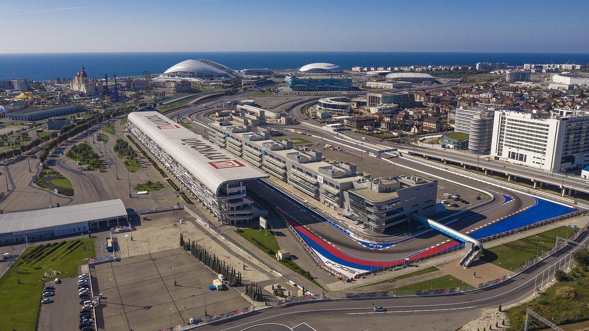 Lo que nos espera en #Sochi... 👀 Así es el Autódromo donde se correrá el #RussianGP. 🔥 https://t.co/FgPHN8jX1d