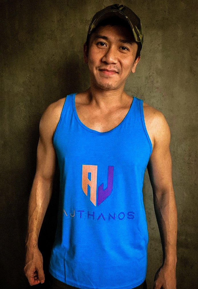 When youre a new streamer and you gotta model your own merch.  Good times.  #streamer #twitch #twitchstreamer #twitchtv #ajthanos #merch #merchandise #tanktop #singapore #gamer #musician #musicianstreamer #streamelements #streamelementsmerch https://t.co/Y9K2jdssIL