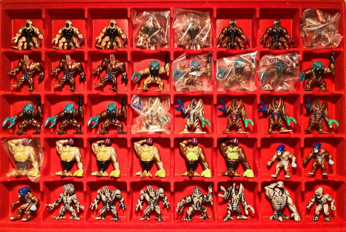 Completed Rows 🤩 Time for a new tray 😬   #フィストエイリアン #fistfulofalien #exogini #collection #ramms #sciroids #aliens #figures #yestoys #takara #gig https://t.co/TYs86bivXQ