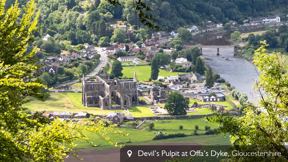 We could stare at this view all day long! 😍 (Hello, @cadwwales Tintern Abbey! 👋)