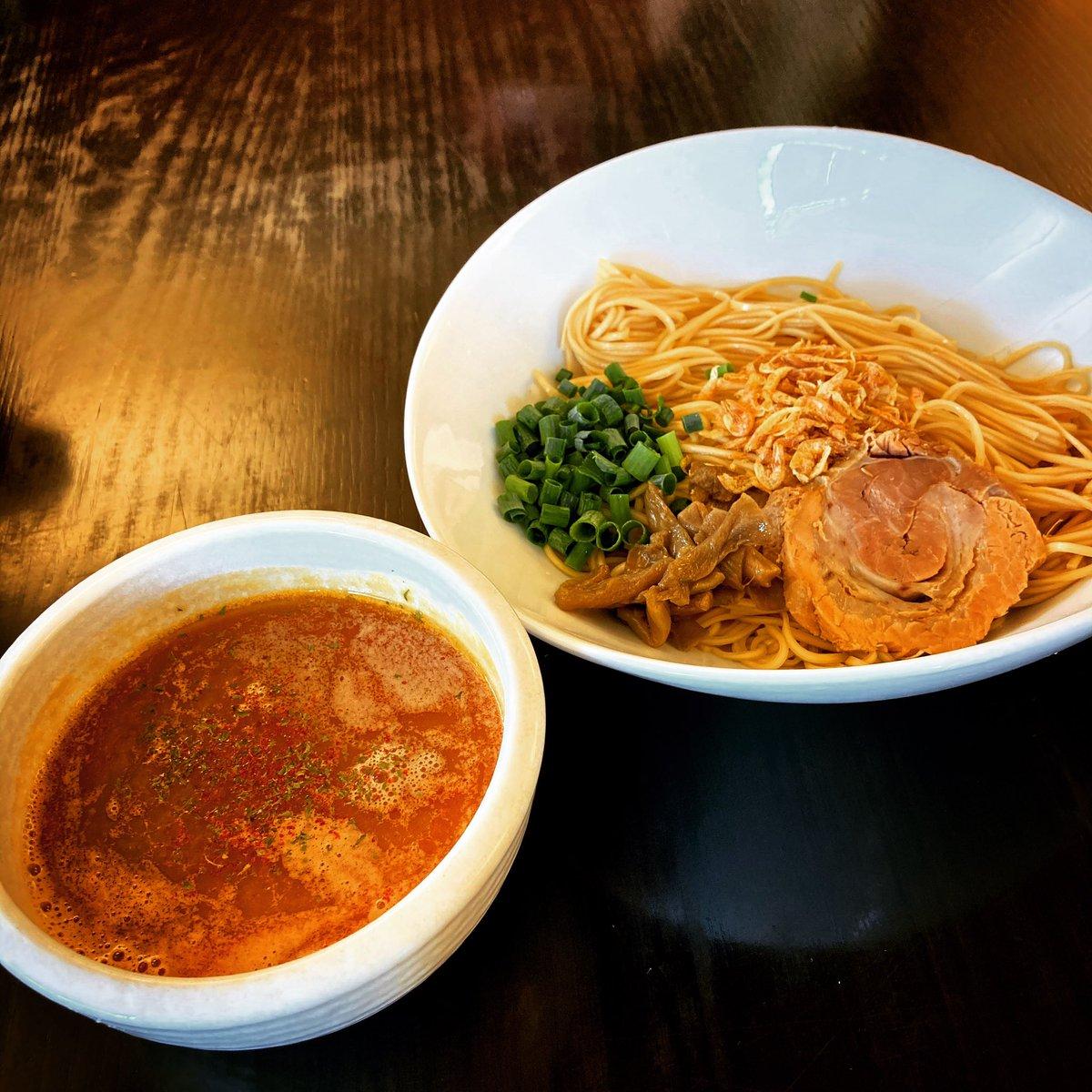 先日行った地元のお気に入り、竜神洞。 何年も前に稲庭中華麺を食べた時はイマイチかなぁと思いつつ…食べたら普通に美味かった(笑) あの時は体調悪かったんかな…(・・;) これ、また食べたい。 #lunch #ramen #noodles #冷やし稲庭海老つけ麺 #竜神洞 #加須 #麺が大好き藤崎さん https://t.co/n8vMJPsTSg