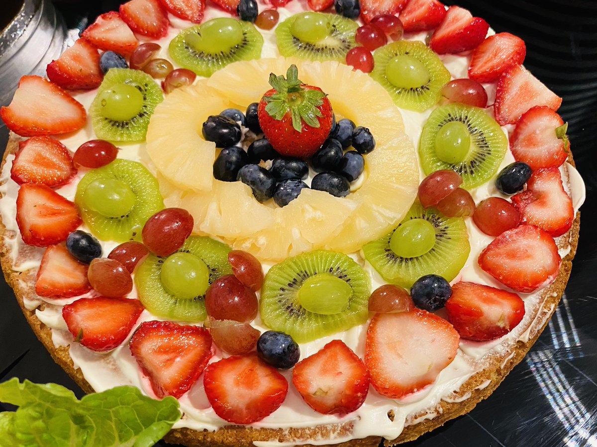 Fruit pizza     👉 https://t.co/GWoueWsQbj  👈 👍👍 #dessert #food #hotel #BBCBreakfast #breakfast #amazing #Europe #lockdown #dessert #pakistan #world #lunch #dinner #KSA #UAE #health #denmark #canada #usa #fruit #party #delicious #American #chocolate #england #pizza https://t.co/5bNYrCOX6U