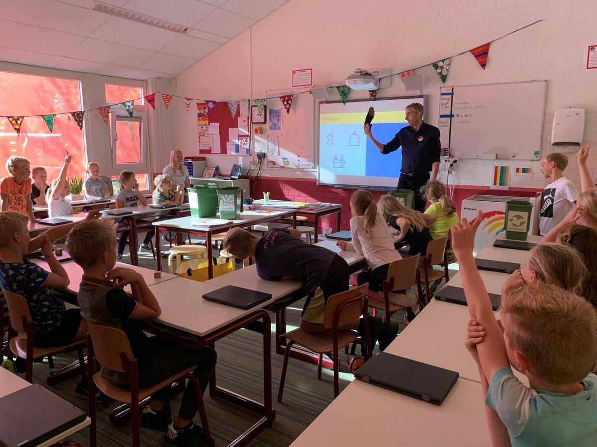 Vanaf vandaag start de Himmelwike in Noardeast-Fryslân! Dit jaar konden veel scholen online al meedoen via https://t.co/HXsssOwWA9. Vandaag zijn de leerlingen van It Fundamint, Aasterage en De Ikker al van start gegaan. Veel succes deze week! #Himmelwike2020 #zwerfafval https://t.co/gAEtMb0zkt