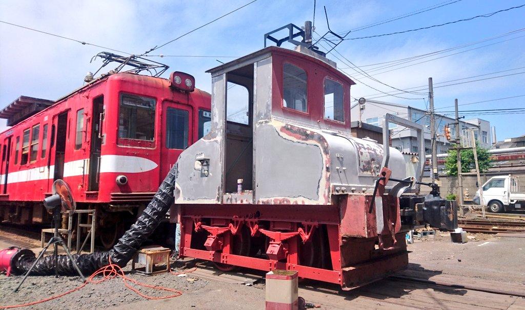 #敬老の日だから古い車両を貼る  もうおじいちゃんでも、その年ごとに色んな姿を垣間見る事ができるデキ3  #銚子電鉄 https://t.co/DXu5nZlXuI