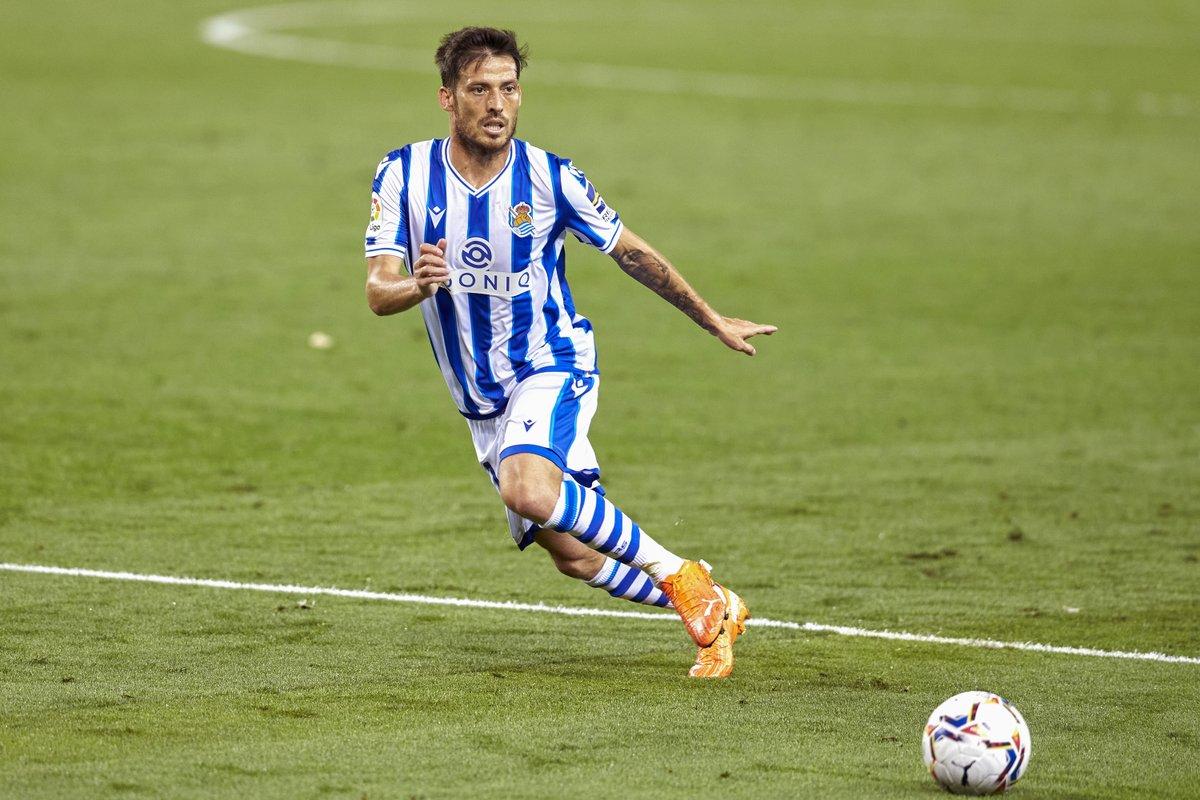 Real Sociedad debutant David Silva 🤩🆕  #UEL https://t.co/RzQwTftUB7