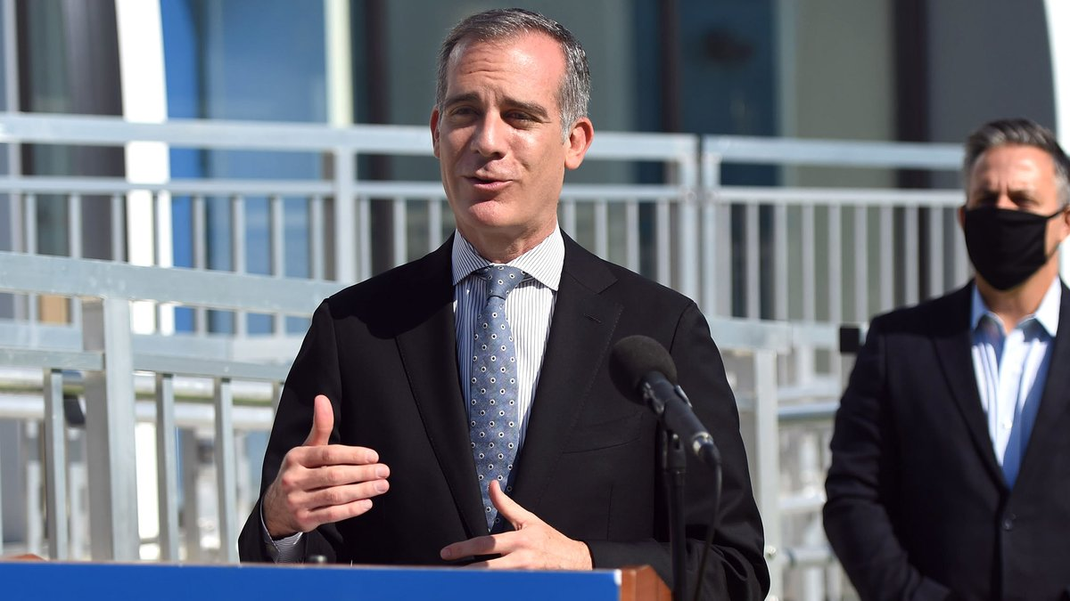 L.A. Mayor Unveils Push To End Homelessness By Sending Around Some Pretty Reasonable Zillow Listings https://t.co/nTQvY1ZAXa https://t.co/HwRNBQMbdD