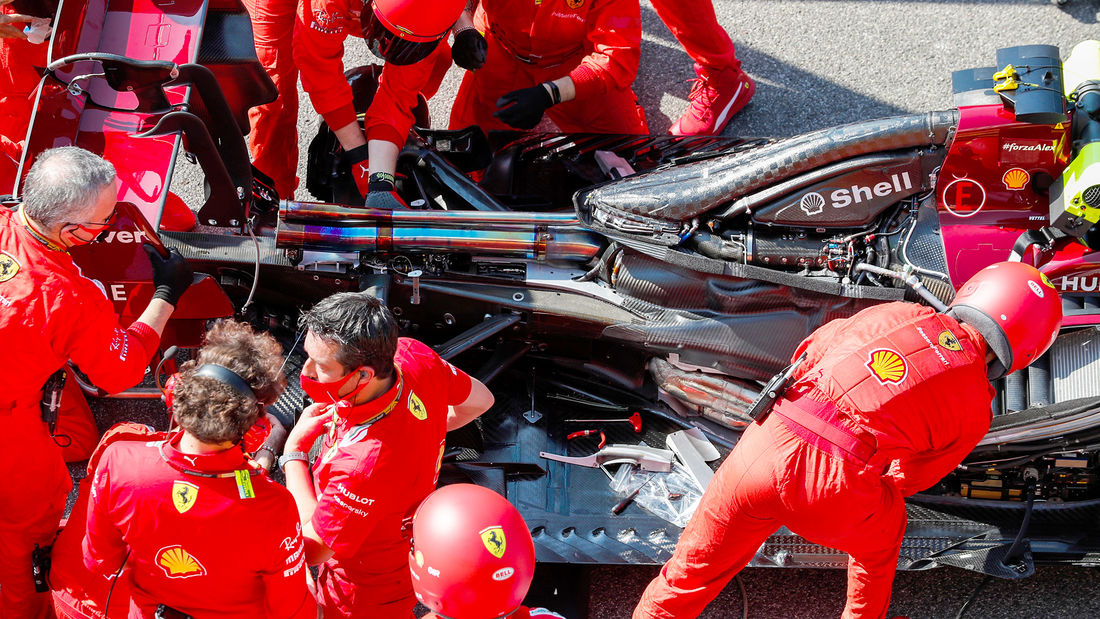 How the engineers artificially extended the wheelbase. Full report 👉 https://t.co/u53UIDmbAO ⬅️ 👀  ➡️ https://t.co/uo6kBEeShG ⬅️  #ScuderiaFans #ForzaFerrari #essereFerrari 🔴 #F1 https://t.co/utoaLUJhOH