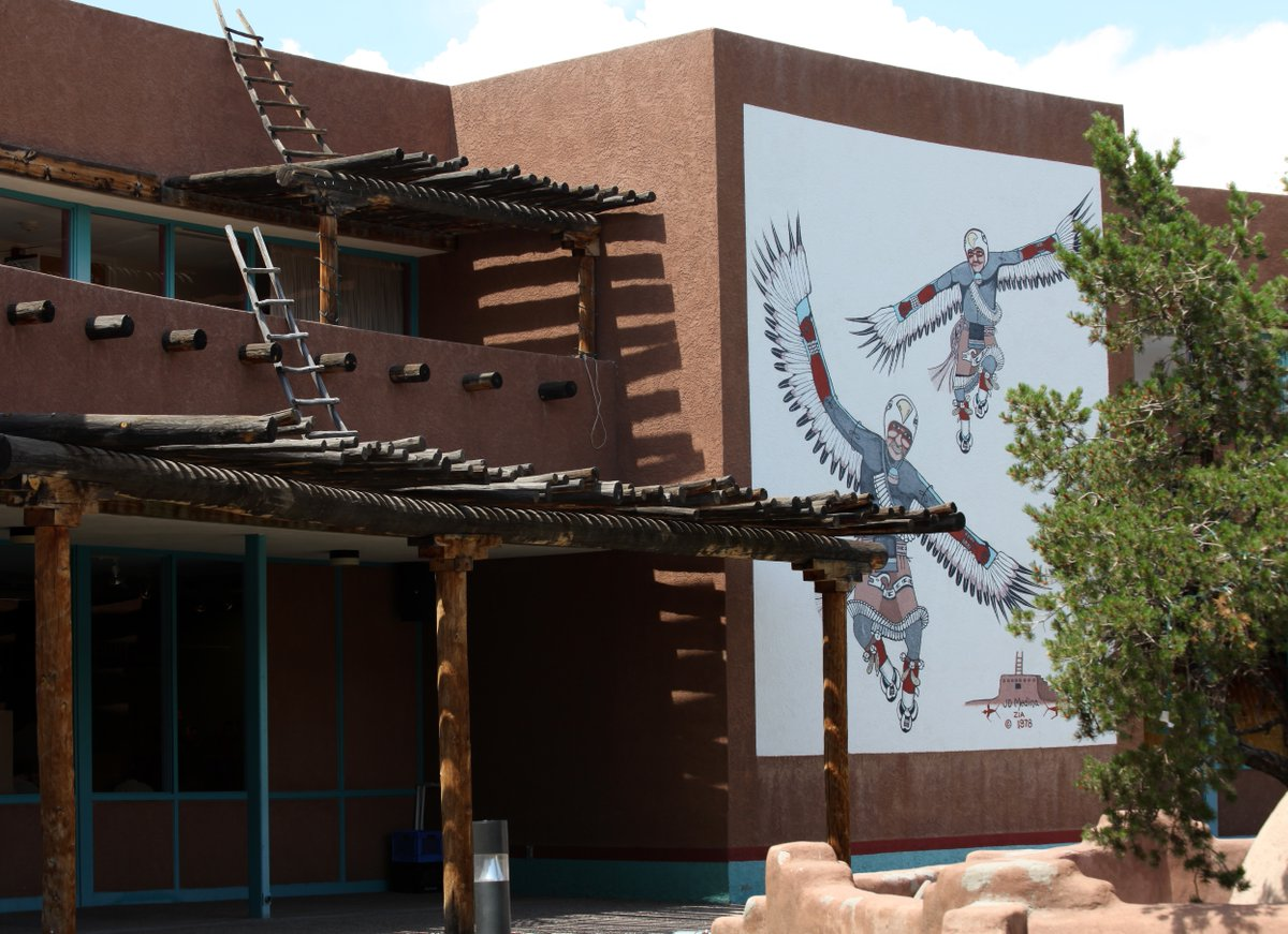 The Indian Pueblo Cultural Center is home to more than 20 beautiful murals painted by Pueblo artists. View them from home and learn all about them with @indianpueblo's Virtual Mural Tour! #NewMexicoTrue https://t.co/RUHH5XMMTZ https://t.co/WuhshydHOE