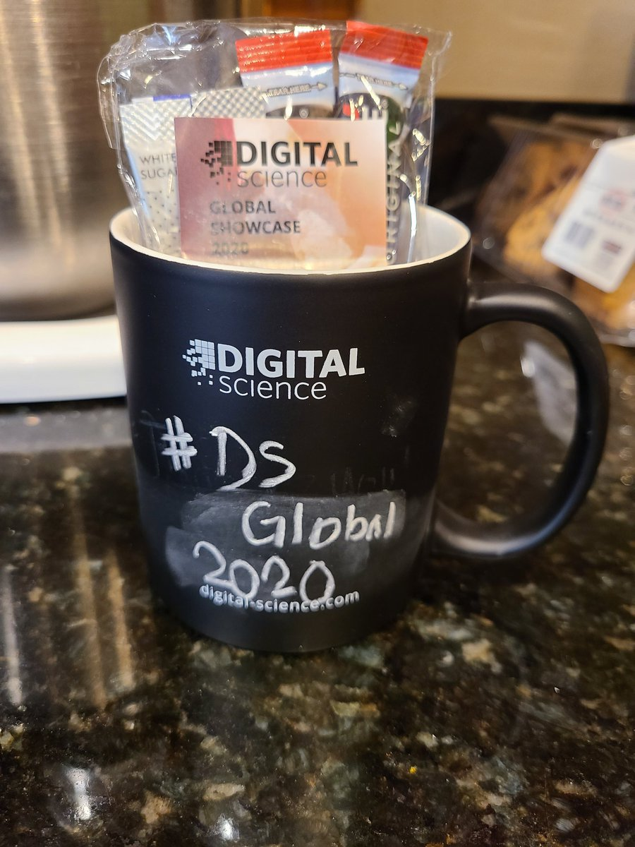 Thank you @digitalsci for my #DSGlobal2020 break time box! Looking forward to the upcoming sessions!  P.S. its hard to write on a round mug 😆 https://t.co/ZLKt0pDKcB