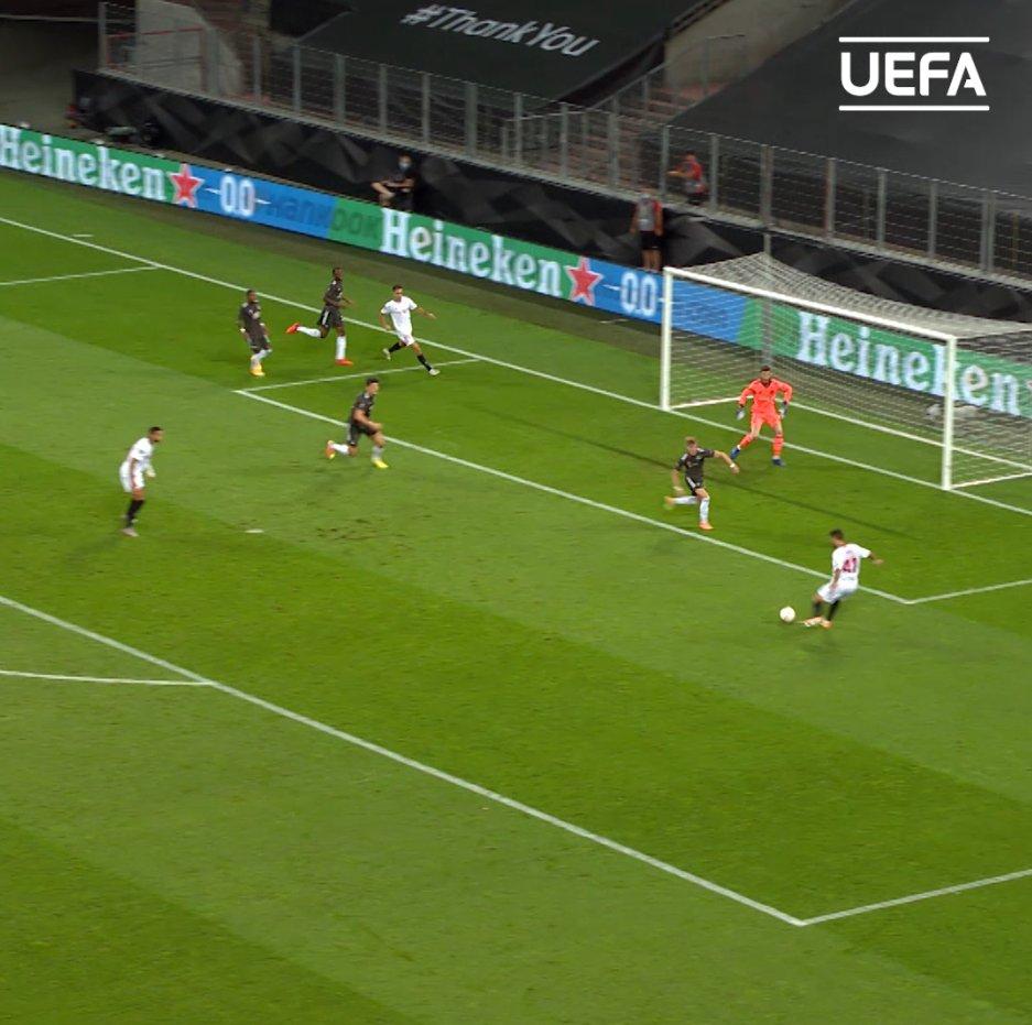 New Spurs signing Sergio Reguilón in #UEL action 🔥🔥  ⚪️ @SpursOfficial | @sergio_regui https://t.co/86C1uw5TBq